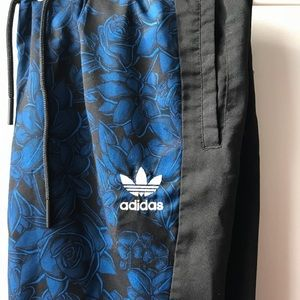 UNIQUE Adidas blue floral print Windbreaker pants